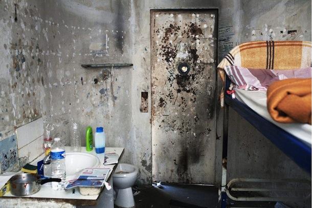 Cellule-de-confinement-de-la-maison-arret-des-hommes-1-Baumettes