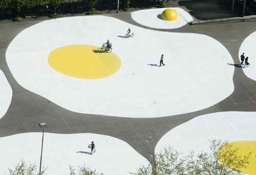 Art Eggcident