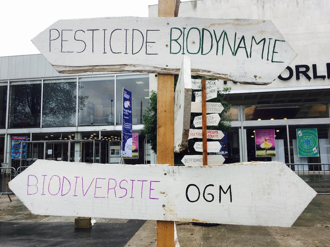 Panneau de la confédération Paysanne au forum Open AgriFood